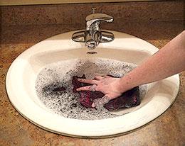 Handwashing - Step 2